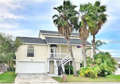 Port Richey Single Family Home For Sale: 9831 Island Harbor Drive