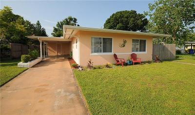 Dunedin FL Single Family Home For Sale: $240,000