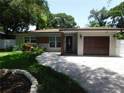 Clearwater Single Family Home For Sale: 2212 NE Coachman Road