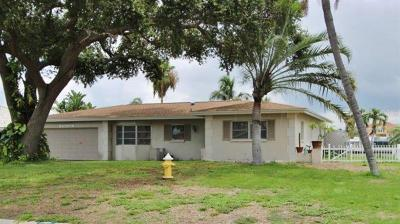 Largo Single Family Home For Sale: 213 Driftwood Lane