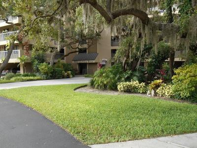 Tarpon Springs Condo For Sale: 1725 Golfview Drive #1725