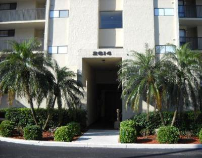 Clearwater Condo For Sale: 2614 Cove Cay Drive #106