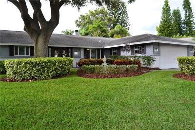 Palm Harbor Single Family Home For Sale: 1647 Castlewood Lane