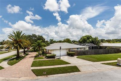 Clearwater Single Family Home For Sale: 2131 Sandpiper Drive