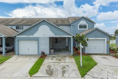 Seminole Townhouse For Sale: 9422 Tara Cay Court