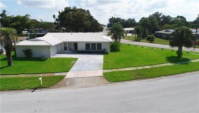 Pinellas County Single Family Home For Sale: 10211 Monarch Drive