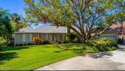 Ormond Beach Single Family Home For Sale: 596 Riverside Drive