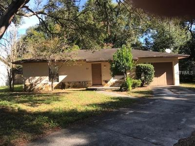Deland Single Family Home For Sale: 611 E Tall Pine Terrace