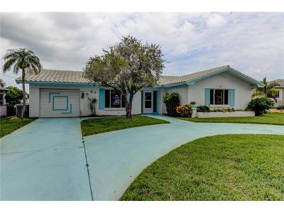 Manatee County, Pasco County, Pinellas County, Sarasota County Single Family Home For Sale: 5513 Bowline Bend
