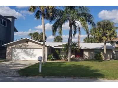 Port Richey Single Family Home For Sale: 8020 Island Drive