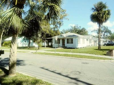 Tarpon Springs Single Family Home For Sale: 217 Banana Street