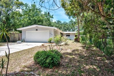 Tarpon Springs Single Family Home For Sale: 135 Cleveland Place