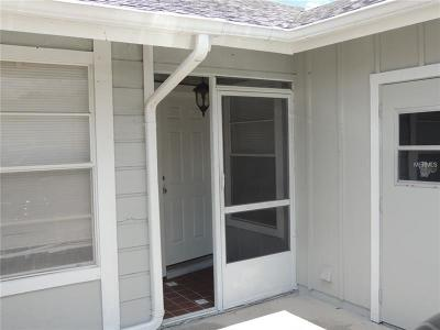 Hernando County, Hillsborough County, Pasco County, Pinellas County Villa For Sale: 543 Surrey Close #3