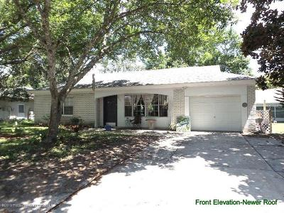 Hudson Single Family Home For Sale: 8610 Lincolnshire Drive