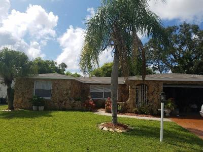 Port Richey Single Family Home For Sale: 7302 Oak Crest Drive