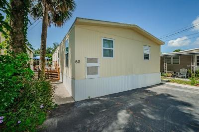Tarpon Springs Mobile/Manufactured For Sale: 800 Chesapeake Drive #60