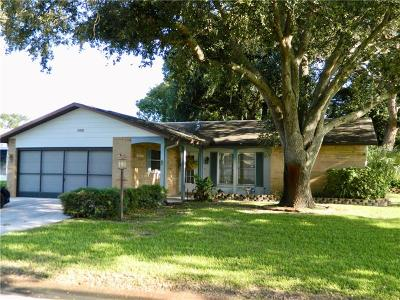 Pasco County Single Family Home For Sale: 8325 Divot Way