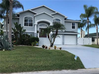 Hernando Beach Single Family Home For Sale: 4117 Camelia Drive