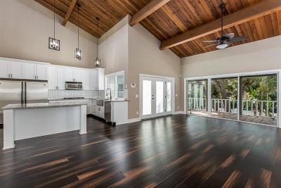 Palm Harbor Single Family Home For Sale: 1052 8th Street