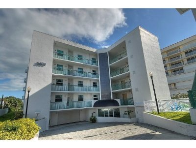 Cocoa Beach Condo For Sale: 3800 Ocean Beach Boulevard #401