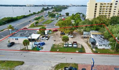 Commercial For Sale: 500 W Merritt Island Causeway