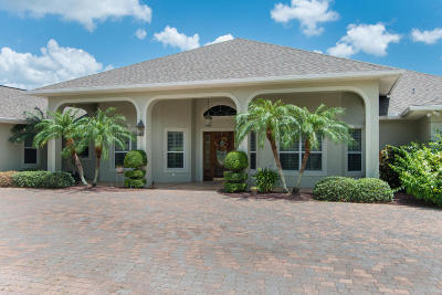 Titusville Single Family Home For Sale: 580 Willow Green Lane