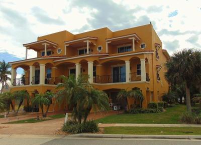 Cape Canaveral Townhouse For Sale: 605 Washington Avenue #2