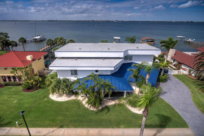 Melbourne Beach Single Family Home For Sale: 2260 S River Road