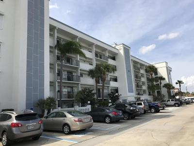 Cocoa Beach Condo For Sale: 3165 N Atlantic Avenue #B101