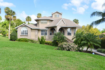 Cocoa Single Family Home For Sale: 8 Point View Place