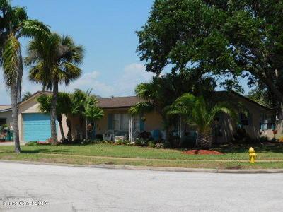 Satellite Beach Single Family Home For Sale: 210 Lynn Avenue