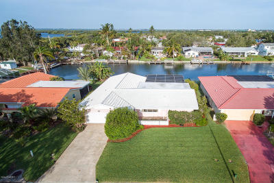 Cocoa Beach Single Family Home For Sale: 23 Yacht Haven Drive