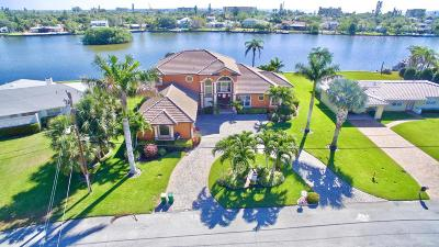 Cocoa Beach Single Family Home For Sale: 1741 Bayshore Drive