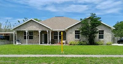 Titusville Single Family Home For Sale: 3836 South Ridge Circle