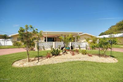Cocoa Beach Single Family Home For Sale: 30 W Point Drive