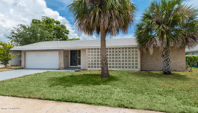 Merritt Island Single Family Home For Sale: 158 Via De La Reina