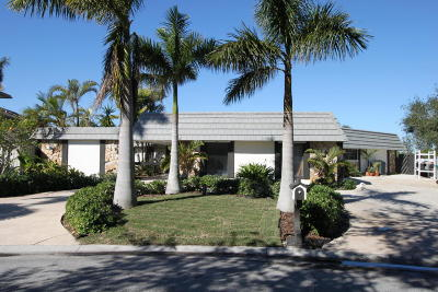 Cocoa Beach Single Family Home For Sale: 44 Yawl Drive