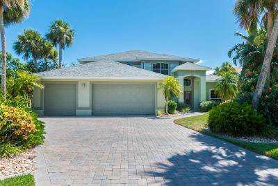 Merritt Island Single Family Home For Sale: 555 River Moorings Drive