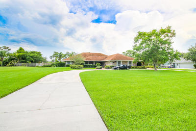 Palm Bay Single Family Home For Sale: 1774 Plantation Circle SE