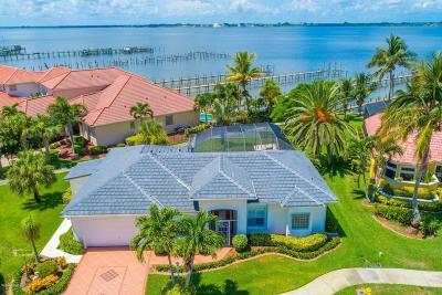 Melbourne Beach Single Family Home For Sale: 273 Sanibel Way