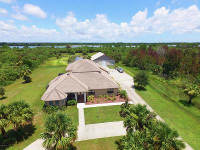 Palm Bay Single Family Home For Sale: 308 Pinto Lane