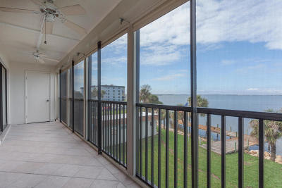 Cocoa Beach Condo For Sale: 3833 S Banana River Boulevard #305