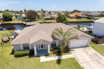 Merritt Island Single Family Home For Sale: 2125 Porpoise Street
