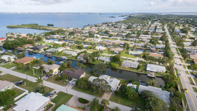 Merritt Island Single Family Home For Sale: 1629 Bayside Street