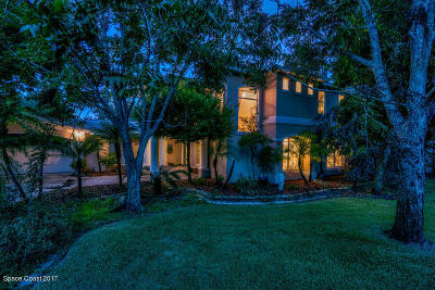Melbourne Single Family Home For Sale: 1587 Pineapple Avenue