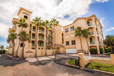 Cocoa Beach Condo For Sale: 1431 S Atlantic Avenue #204