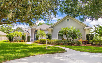 Brevard County Single Family Home For Sale: 5330 Amy Way