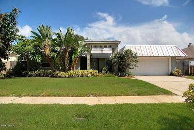 Merritt Island Single Family Home For Sale: 1620 Larchmont Court