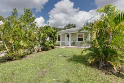 Vero Beach Single Family Home Contingent: 1553 15th Circle SW