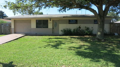 Single Family Home For Sale: 2591 Locksley Road